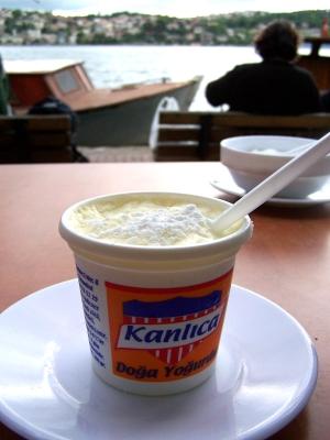 Kanlica_yogurt_2