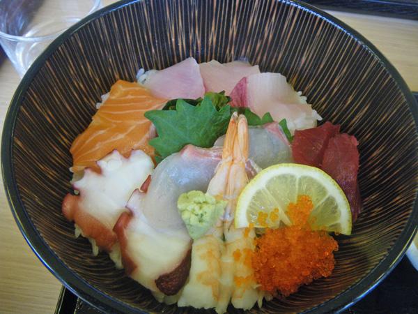 やまつばさの海鮮丼