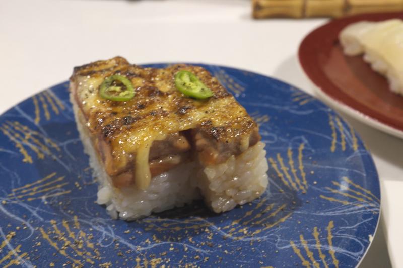 寿司虎の炙りサーモン押し寿司