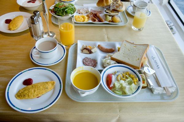 飛鳥Ⅱの朝食、洋食ビュッフェ