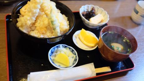 キッチンしまの海老天丼定食