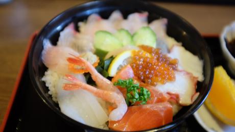 キッチンしまの海鮮丼