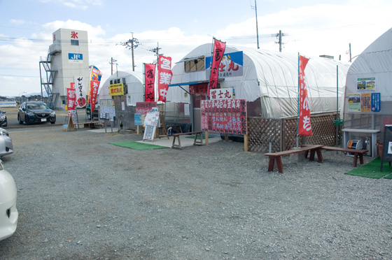 糸島岐志漁港のカキ小屋